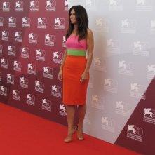 Venezia 2013: una coloratissima Sandra Bullock è la star di Gravity, film d'apertura