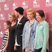Mira Barkhammar, Lukas Moodysson, Liv LeMoyne, Mira Grosin e Lily Moodysson a Venezia con We Are the Best!