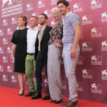 Tom At The Farm: Xavier Dolan presenta il film a Venezia 2013 con Pierre Yves Cardinal, Lise Roy, Evelyne Brochu e Michel Marc Bouchard