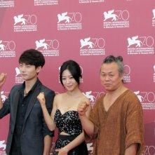Moebius: Kim Ki-duk presenta il suo film con gli attori Seo Young-ju con Lee Eun-woo alla 70esima Mostra di Venezia, nel 2013