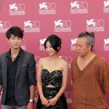 Moebius: Kim Ki-duk presenta il suo film con Seo Young-ju con Lee Eun-woo alla 70esima Mostra di Venezia, nel 2013
