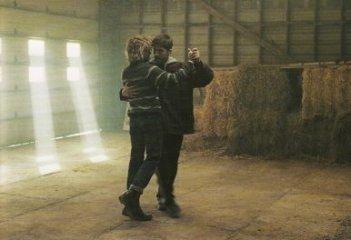Tom At The Farm: Xavier Dolan e Pierre-Yves Cardinal in una scena del film