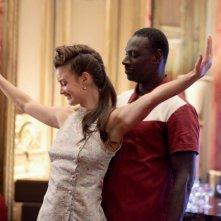 Charlotte Lebon e Omar Sy in Mood Indigo - La schiuma dei giorni