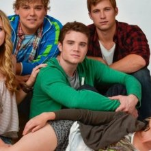 Meaghan Martin, Cameron Stewart, Andrew Caldwell, Justin Deeley e Allie Gonino in una foto promo di Geography Club
