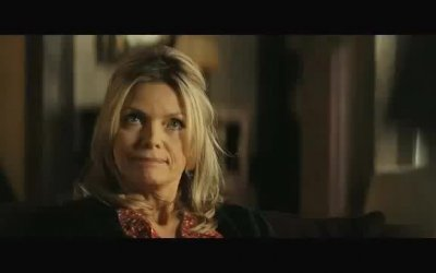 Red Band Trailer - The Family