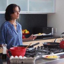 Betrayal: Wendy Moniz in una scena della serie