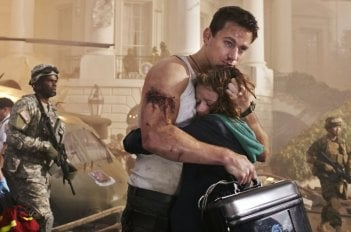Channing Tatum con Joey King in Sotto Assedio - White House Down