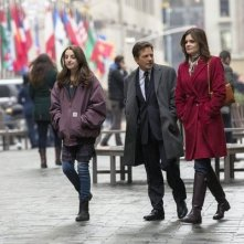 The Michael J. Fox Show: Juliette Goglia, Michael J. Fox e Betsy Brandt in una scena della serie