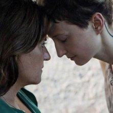 Via Castellana Bandiera: Alba Rohrwacher con Emma Dante in una tenera immagine del film