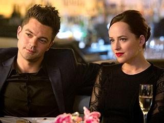 Need for Speed: Dominic Cooper e Dakota Johnson in una scena del film