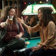 Corpi da reato: Sandra Bullock e Melissa McCarthy in una scena del film