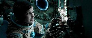 Gravity: Sandra Bullock in una scena del film fantascientifico