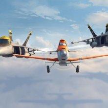 Planes: Dusty in volo affiancato da due 'amici' in una scena