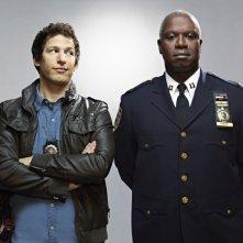 Brooklyn Nine-Nine: Andre Braugher ed Andy Samberg in una foto promozionale della serie