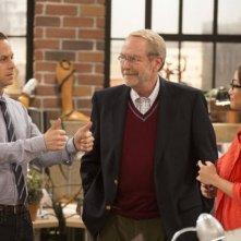 Dads: Giovanni Ribisi, Martin Mull e Brenda Song in una scena della serie