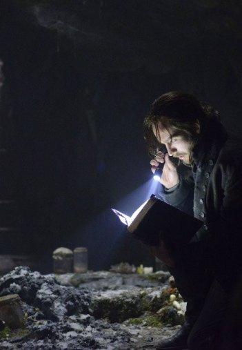 Sleepy Hollow: Tom Mison in un momento del pilot della serie
