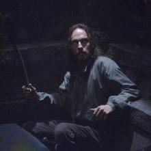 Sleepy Hollow: Tom Mison in una scena del pilot della serie