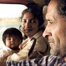 Las acacias: Germán de Silva con Hebe Duarte e la piccola Nayra Calle Mamani in una scena del film