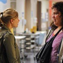 Lucky 7: Lorraine Bruce ed Anastasia Phillips in una scena della serie