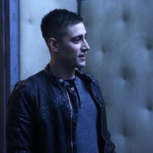 Once Upon a Time in Wonderland: Michael Socha in una scena della serie