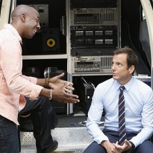 The Millers: Will Arnett e J.B. Smoove in una scena della serie