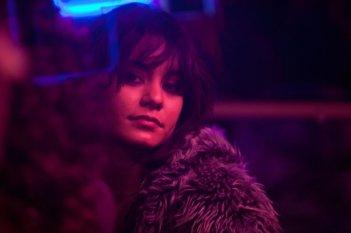 Vanessa Hudgens in una scena de Il cacciatore di donne