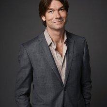 We Are Men: Jerry O'Connell in una foto promozionale della serie