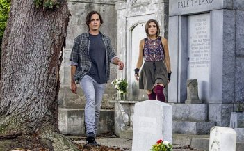 Ravenswood: Tyler Blackburn e Nicole Gale Anderson nel pilot della serie
