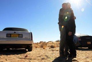 Breaking Bad: Bryan Cranston ed Aaron Paul in una scena dell'episodio Confessions