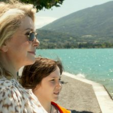 On my way: Catherine Deneuve accanto a Nemo Schiffman in una immagine del film