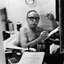 Una foto di Dalton Trumbo nella sua vasca da bagno