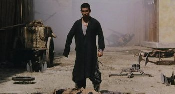 Vincent Zhao in una scena del film The Blade