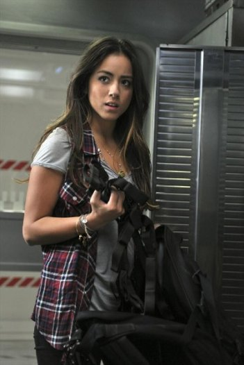 Agents of S.H.I.E.L.D.: Chloe Bennet nell'episodio 0-8-4