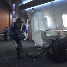 Agents of S.H.I.E.L.D.: Elizabeth Henstridge e Chloe Bennet in una scena dell'episodio 0-8-4