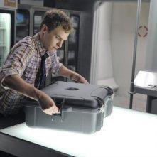 Agents of S.H.I.E.L.D.: Ian De Caestecker in una scena dell'episodio 0-8-4