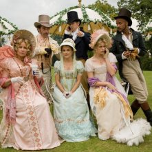 Austenland: James Callis, JJ Feild, Ricky Whittle, Jennifer Coolidge, Keri Russell e Georgia King nel film