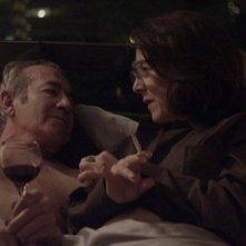 Gloria: la bravissima Paulina García con Sergio Hernández in una scena del film