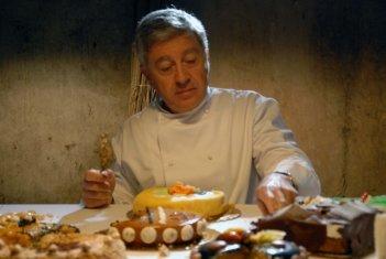 Il pasticciere: Antonio Catania, protagonista del film, in una scena