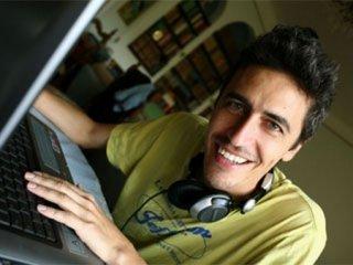 Pierfrancesco 'Pif' Diliberto è il conduttore de Il testimone, docu-show su MTV