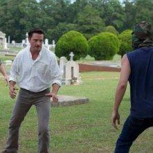 Rectify: Aden Young si difende da un'aggressione in una scena