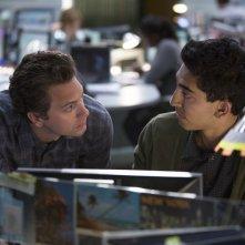 The Newsroom: Tomas Sadoski e Dev Patel in una scena della seconda stagione