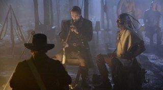 Sleepy Hollow: Tom Mison in un momento di 'For the Triumph of Evil...'
