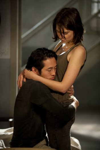 The Walking Dead: Lauren Cohan e Steven Yeun nell'episodio 30 Days Without an Accident