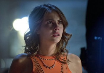Arrow: Willa Holland nell'episodio City of Heroes