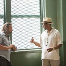Cani sciolti: Denzel Washington col regista Baltasar Kormákur sul set