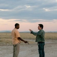 Cani sciolti: Denzel Washington discute animatamente con Mark Wahlberg in una scena del film action