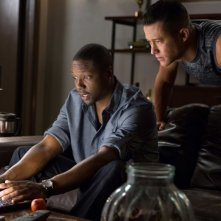 Don Jon: Joseph Gordon-Levitt con Rob Brown in un momento del film