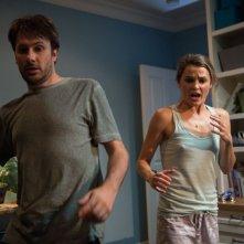 I protagonisti Josh Hamilton e Keri Russell in una scena di Dark Skies - Oscure presenze