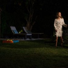 Josh Hamilton e Keri Russell in una scena dell'horror Dark Skies - Oscure presenze