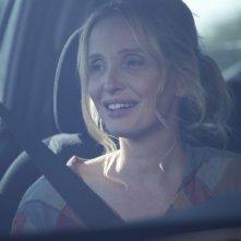 Julie Delpy sorridente in una scena di Before Midnight